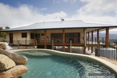 The Summit B&B - Heated pool & spa - Cairns Highlands Accommodation & Itineraries