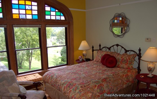 Quality Mountain City Lodging at Prospect Hill B&B 3-state View, 2-level Luxury Room
