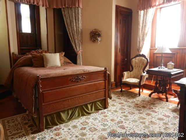 Emily's Room - The Harry Packer Mansion Inn