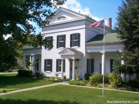 Munro House B&B in Downtown Jonesville - Munro House Bed & Breakfast and Spa