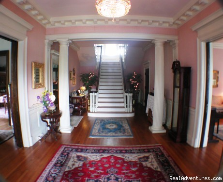 Front foyer - Best of Lynchburg LodgingFederal Crest Inn B & B