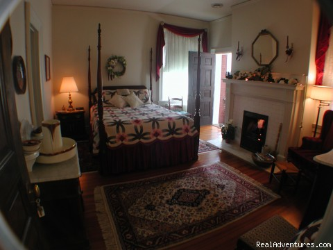 - Best of Lynchburg LodgingFederal Crest Inn B & B