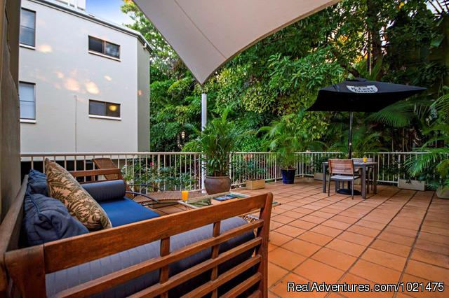 Day Bed Area - Port Douglas Apartments, Australia