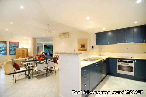 kitchen dining lounge - Oasis at Palm Cove