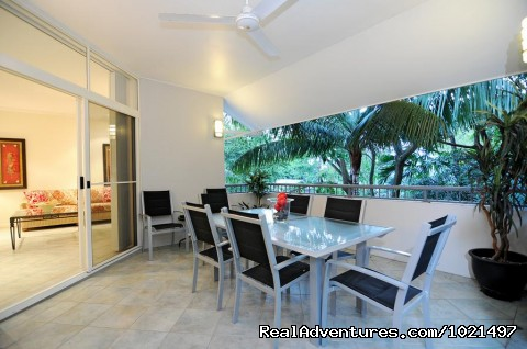 balcony lounge - Oasis at Palm Cove