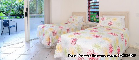 twin bedroom - Oasis at Palm Cove