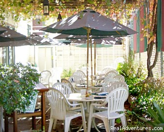 Courtyard Dining - Historic Gold Rush National Hotel near Yosemite