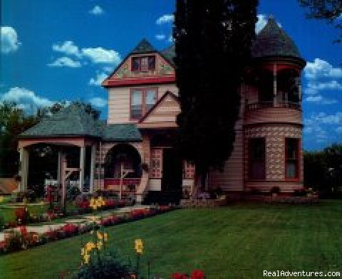 Historic Scanlan House Bed and Breakfast Inn Lanesboro, Minnesota Bed & Breakfasts
