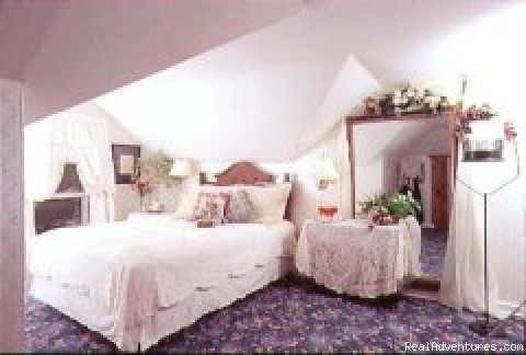 Nightingale Suite bedroom - Awarenest Victorian Bed & Breakfast