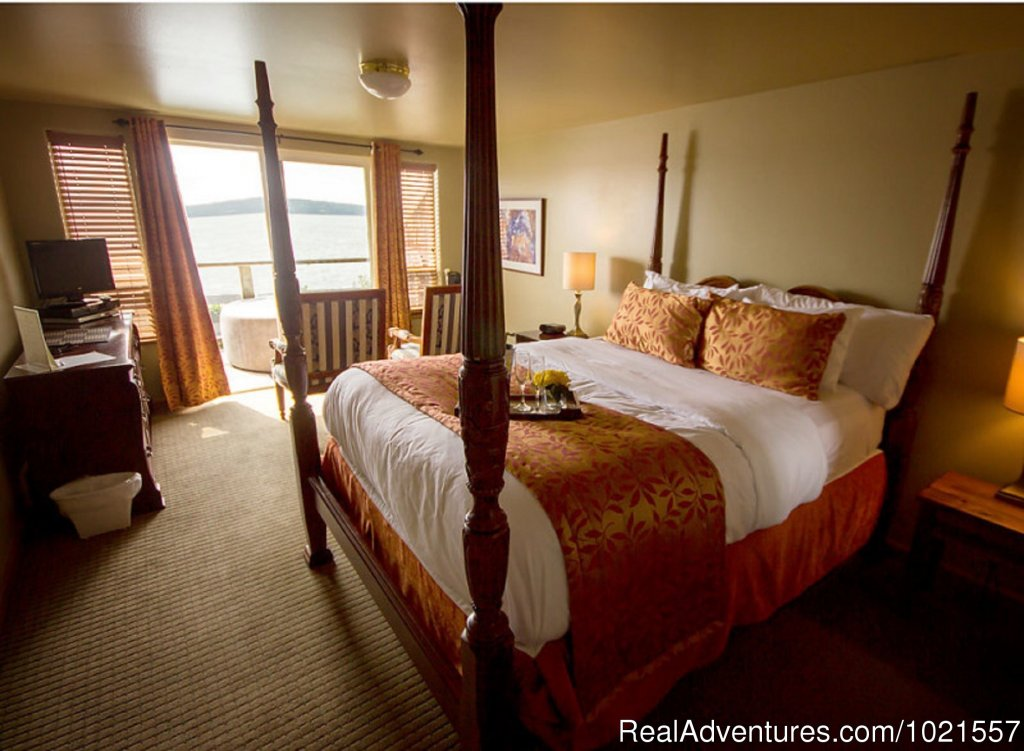 Room 5...private deck with hot tub | Image #16/25 | Camano Island Waterfront Inn