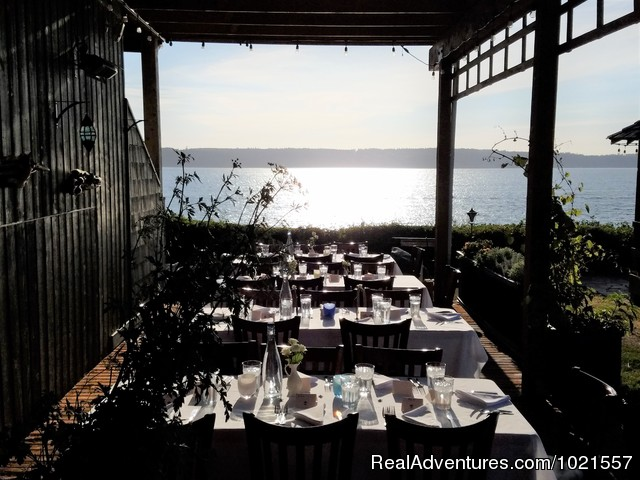 Alfresco Dinning - Camano Island Waterfront Inn