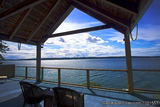 Upper Deck...for your viewing pleasure - Camano Island Waterfront Inn