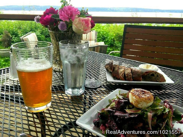 Dining with a view - Camano Island Waterfront Inn