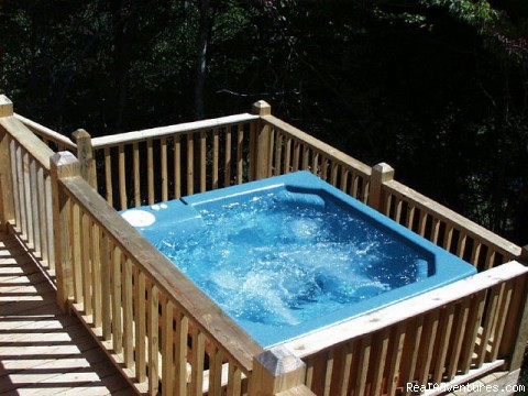 MacLeod cabin hot tub