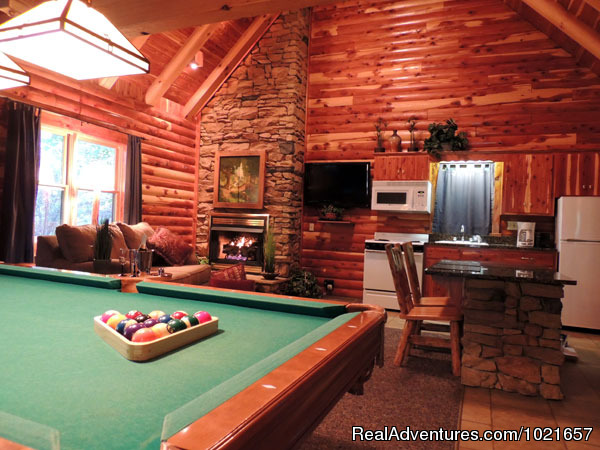 Cedar Cabin 6 Pool Table - Romantic Secluded Cabins--Donna's Premier Lodging