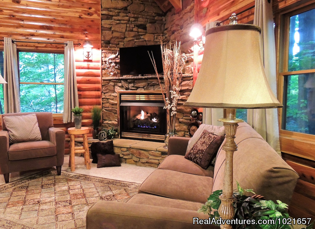 - Romantic Secluded Cabins--Donna's Premier Lodging