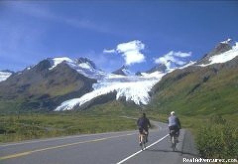 Very inclusive seven to twelve day tour packages provide all meals, lodging, glacier cruises and Cannondale bicycles. Three different difficulty levels insure that almost everyone can find a comfortable active vacation in Alaska.