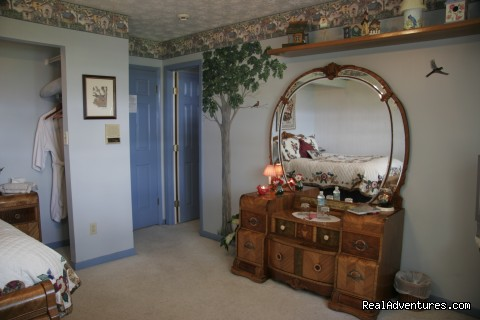 Robin's Nest (#5 of 11) - Hampton Lake Bed & Breakfast