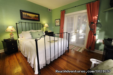- Mango Inn Bed & Breakfast