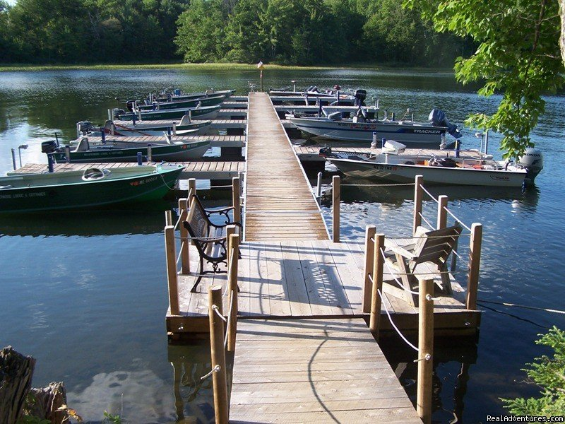 Maine fishing lodge and family vacation resort with 11 lakeside cottages, American Plan: meals served in central dining room. Swim area, boat docks & launch. Boat rentals, free use of  canoes & kayaks. Daily maid service. . Open: May - October