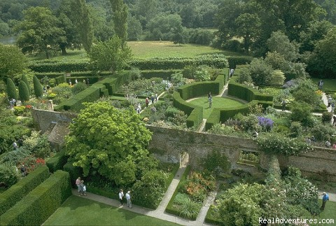 Sissinghurst Castle Garden - England garden tour with Chelsea Flower Show.