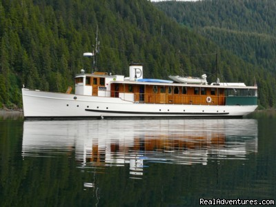 Image #10 of 11 - Alaska Yacht Charters aboard Discovery