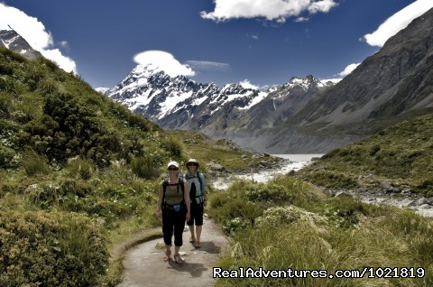 Hooker Valley Walk at Mt Cook - Hiking New Zealand