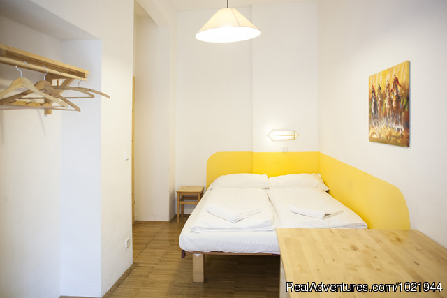A Double Bed Room - Hostel Ruthensteiner