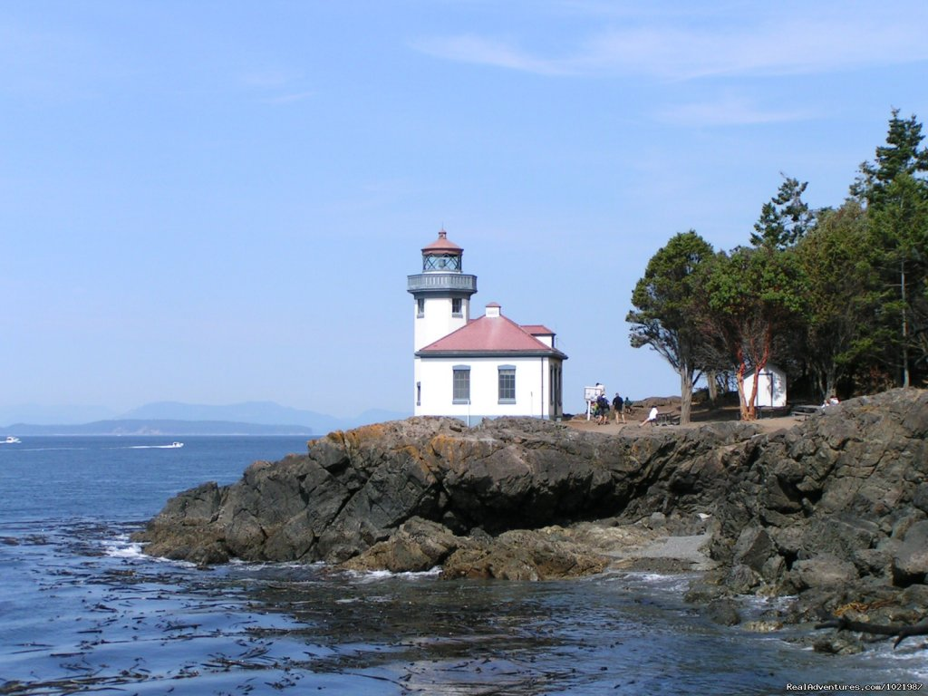 Lighthouse At Lime Kiln Park On San Juan Island | Image #3/4 | Whale Watching Adventure / Friday Harbor Cruise