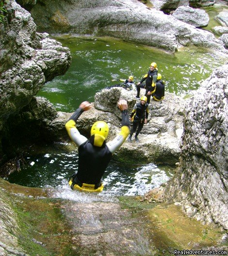 Canyoning Tour Swiss Cheese | Image #9/18 | CROCODILE SPORTS Oudoor Adventure GmbH