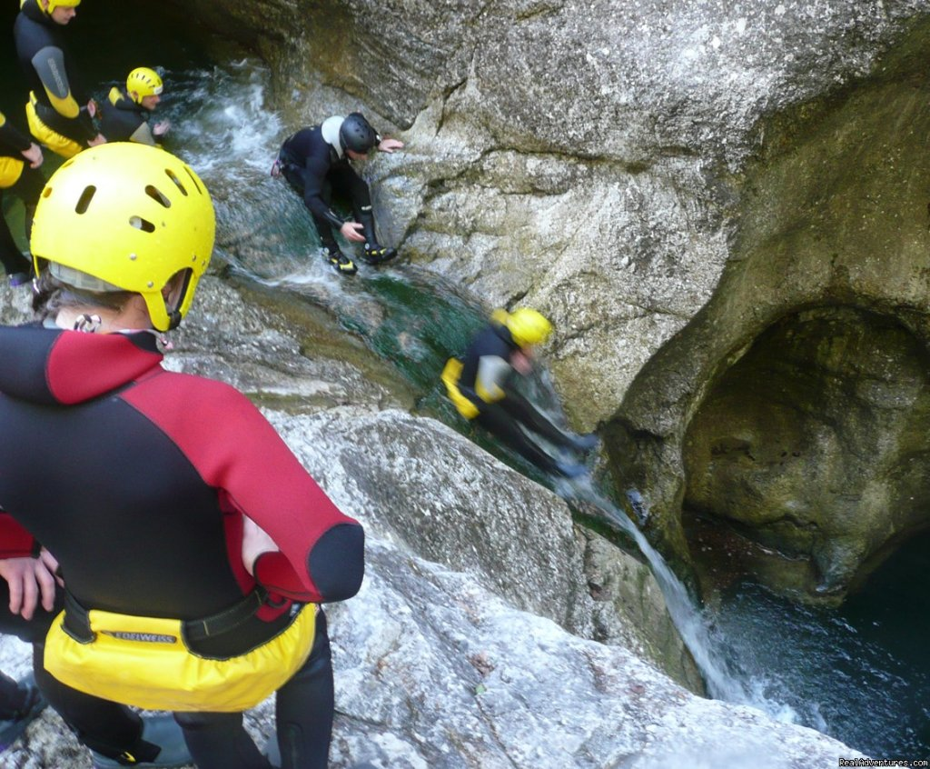 Canyoning Tour Swiss Cheese | Image #11/18 | CROCODILE SPORTS Oudoor Adventure GmbH