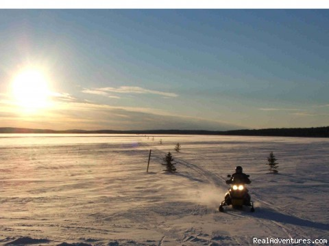 We also offer snowmobiling adventures - Dog sledding at Auberge and Nordic Spa Beaux Reves