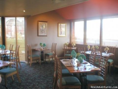 Restaurant Area - Hermitage Park Hotel