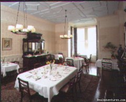 Victorian dining room - Mount Royal Hotel