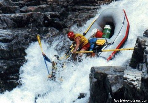 W.E.T. High Side! Class 5 | Image #5/6 | California Whitewater Rafting W.E.T. River Trips