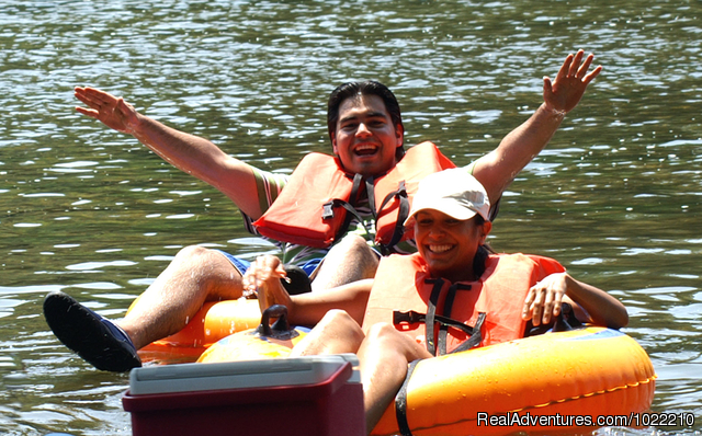Happy tubers - Canoe, kayak and tube the famous Shenandoah River