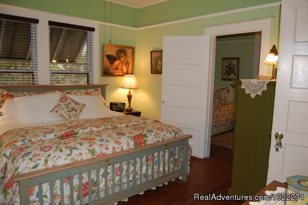 The Green Room - Historic Inn & Romantic B & B - Grady House
