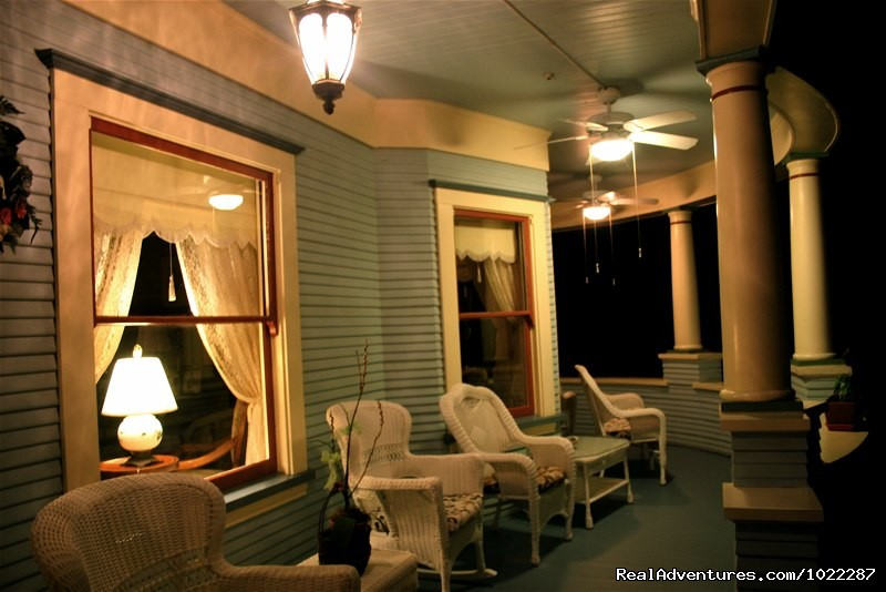 Haydon Street Inn Front Porch at Night