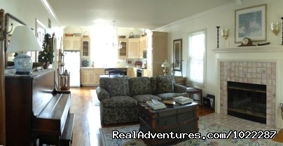 Cottage Suite Living Room - Wonderful B&B in the Heart of Healdsburg