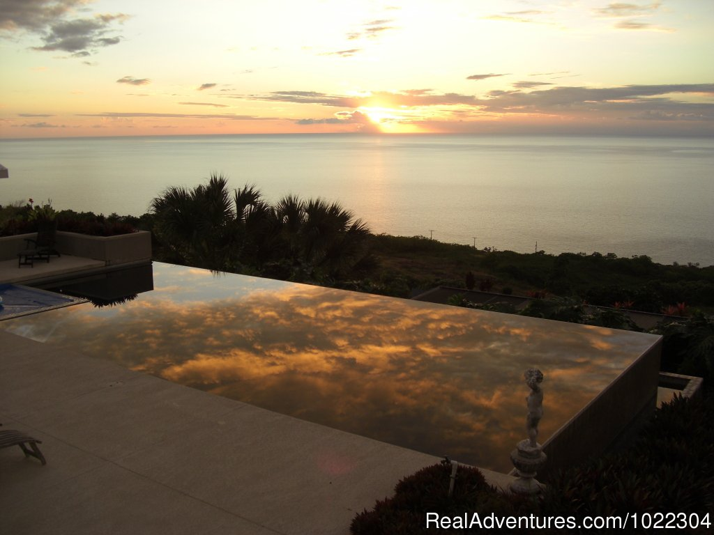 Sunset over the pool | Image #1/13 | Captain Cook, Hawaii  | Bed & Breakfasts | Horizon Guest House