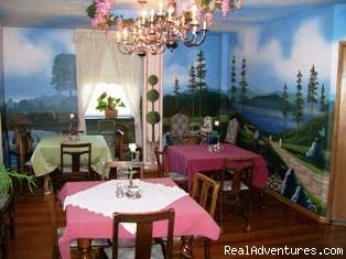 Dining Room at The Roosevelt Inn (#6 of 23) - The Roosevelt Inn, Bed and Breakfast