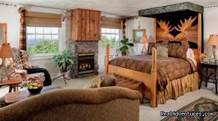 Moose Room | Image #13/15 | Lodge at Moosehead Lake for Nature Loving Hideaway