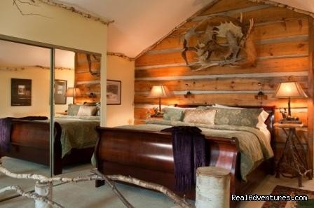 Inland Maine's LONGEST AAA 4 diamond lodging establishment & Select Registry.  8 of 9 rooms with panoramic views of mountains and lake. 6 rooms with private decks. All include fireplace, jacuzzi tubs or double soaking tub, air conditioning, WIFI