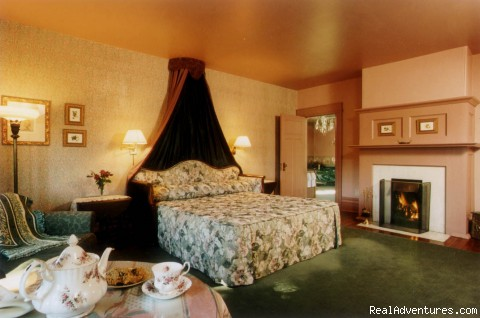 Luxurious Celebration Suites - Prior House B&B Inn