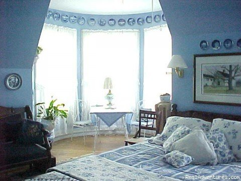 The Blue Willow Room | Image #2/7 | The Gables Bed and Breakfast