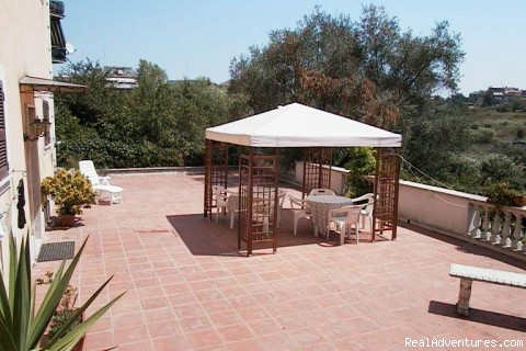 The Sun Terrace - Roma Bed And Breakfast �