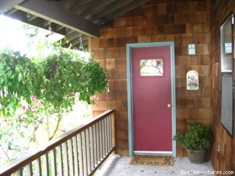 Private entrance - offstreet parking | Image #8/8 | Soundview Cottage B&B