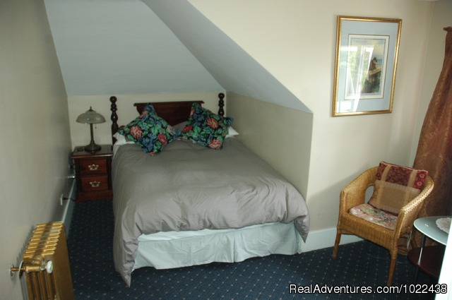 Small Charles Room - Windsor Guest House