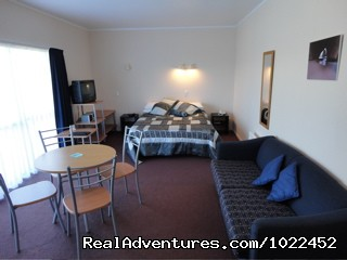 Unit 7, 1 bedroom self catering - Aotearoa Lodge & Tours for relaxed homely ambience