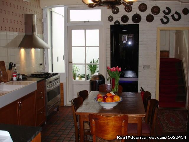 Guest Kitchen - Amsterdam MaesB&B